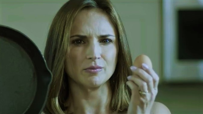 Actress Gets Out Brown and White Eggs and Frying Pan to Expose 'The Drug War's Racism'