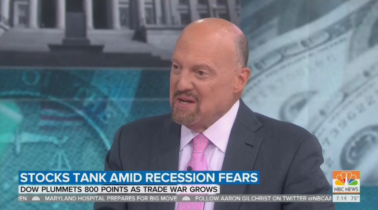 Jim Cramer Tells Media to 'Dial Back the Hysteria' on Economy