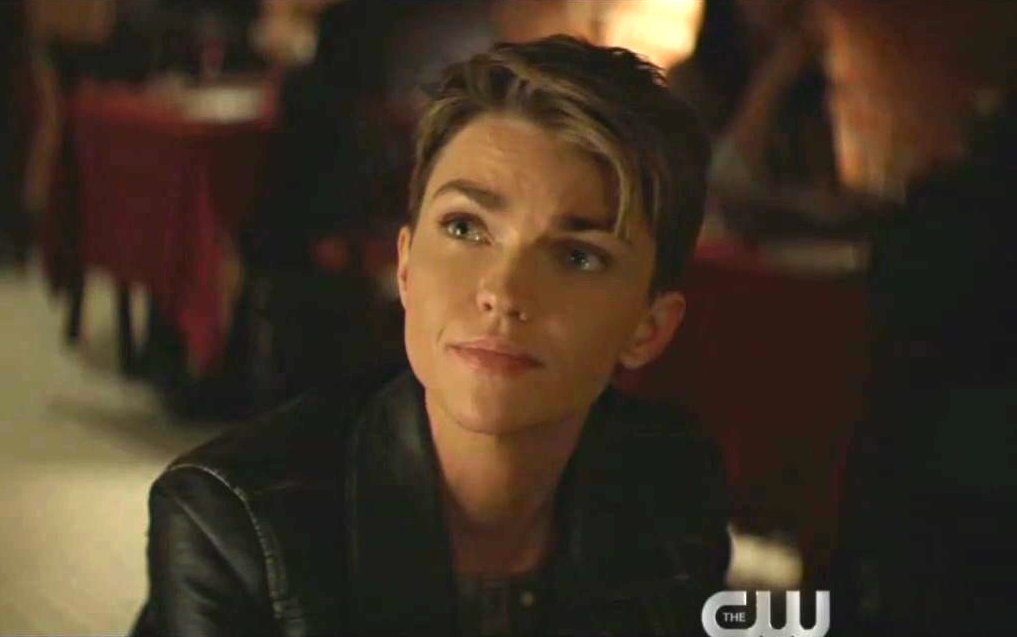 Pow! 'Batwoman' Battles Homophobic Strawman in Latest Episode