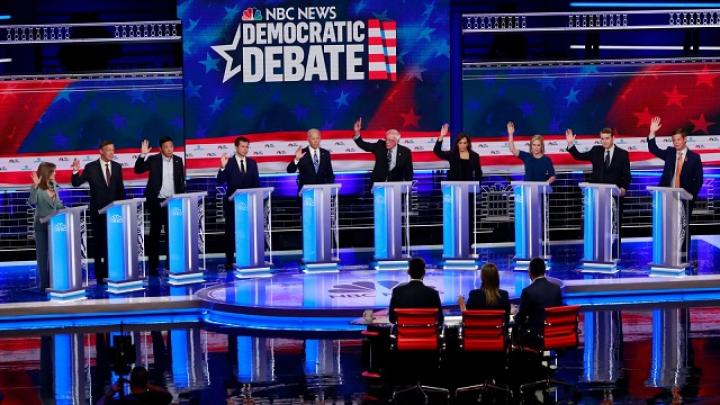 WashPost Columnist to 2020 Dems: Stop Answering Those 'Raise Your Hands' Questions!