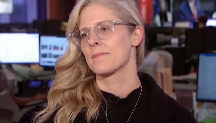 GROSS: Tattletale Journalist Shamelessly Scorches Fox News, Downplays BLM